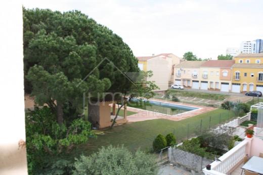 Joli appartement de 2 chambres idéale pour la location à Empuriabrava