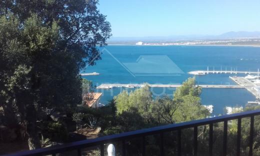 Maison jumelée avec vue mer et montagne à Rosas Espagne
