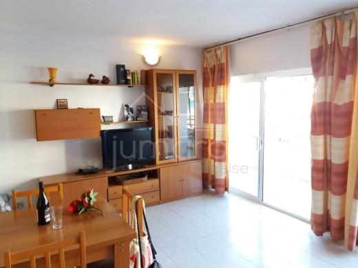 Appartement à Santa Margarida, Roses dans immeuble en première ligne de mer