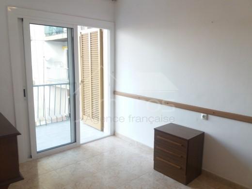 Grand appartement en plein centre à  200 m de la plage avec garage