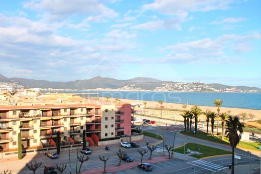 Joli appartement vue mer proche plage et commerces