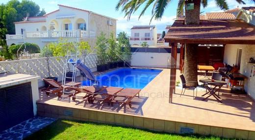 Magnifique villa rénovée à 250m de la plage et des commerces