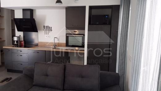 Grand appartement renové avec 2 belles terrasses