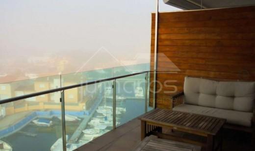 Luxueux appartement avec terrasse panoramique de 60 m2 vue mer et montagne.