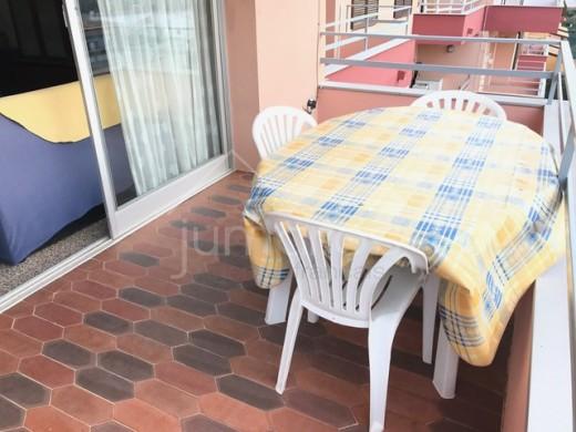Bel appartement avec une belle terrasse ensoleillée dans un quartier calme