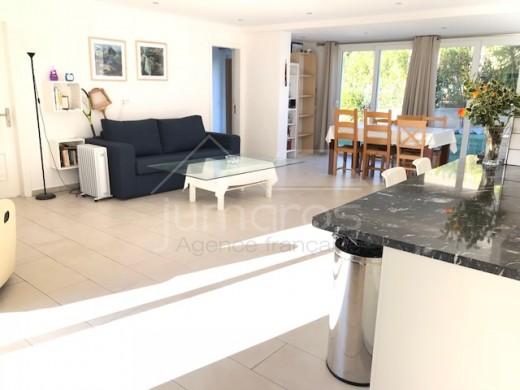 Superbe villa avec piscine vue mer et montagne à Can Isaac