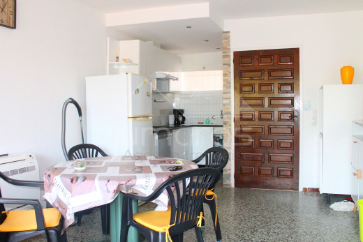 2 bedroom apartment with large terrace 5 minutes from the beach