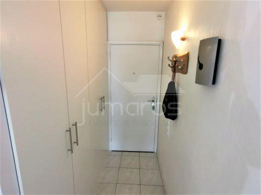 Bel appartement avec amarre privée, débarras et parking