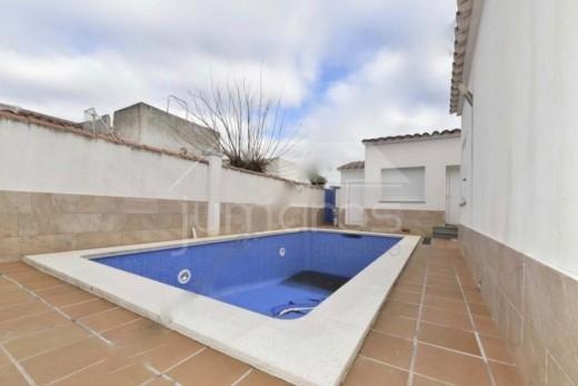 Magnifique maison avec piscine à Empuriabrava