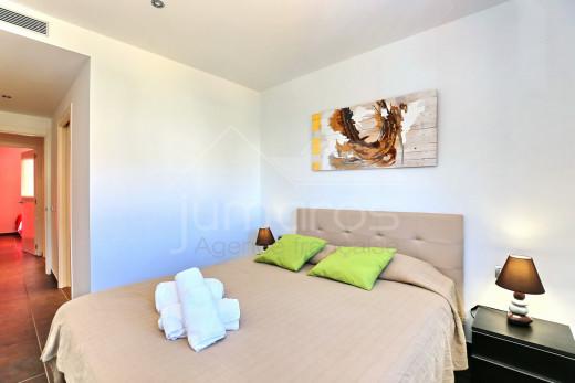 3 chambres, 100m2, centre ville avec parking privé et plage à 100m