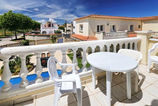 10 appartements, piscine privé, 200m de la plage, investissement