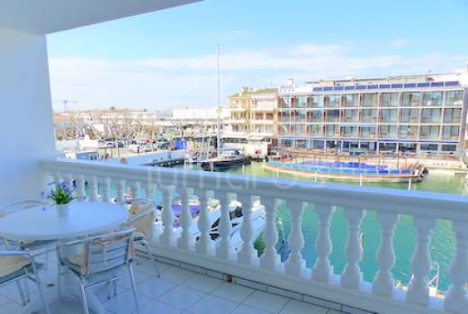 Appartement avec magnifique vue sur le canal d'Empuriabrava