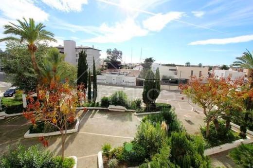 37m2, terrasse, résidence avec piscine