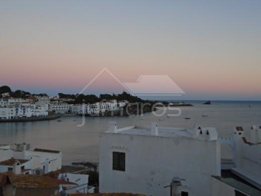 Maison + local commercial situé au centre historique de Cadaqués