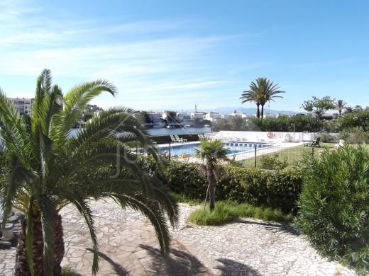 Grand appartement au rez de chaussée avec vue sur le lac de San Maurici