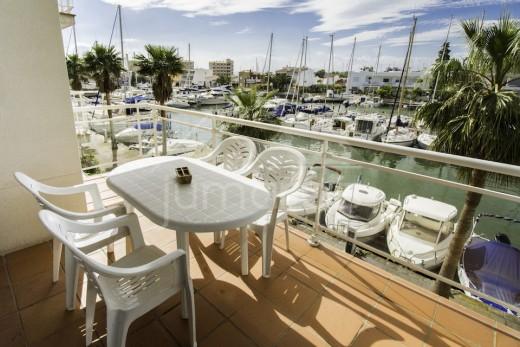 Bel appartement 2 chambres avec vue canal dans une belle résidence à Santa Margarida, Roses