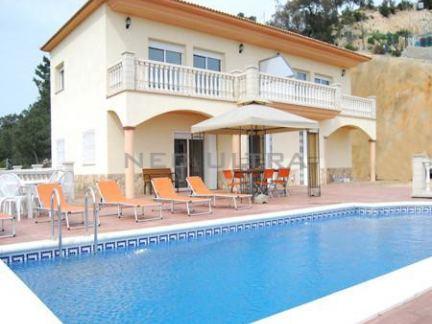 Lloret de Mar: Maison sur 3 niveaux avec piscine