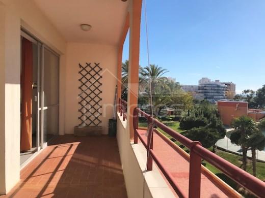 Grand Appartement en Parfait état avec belle terrasse