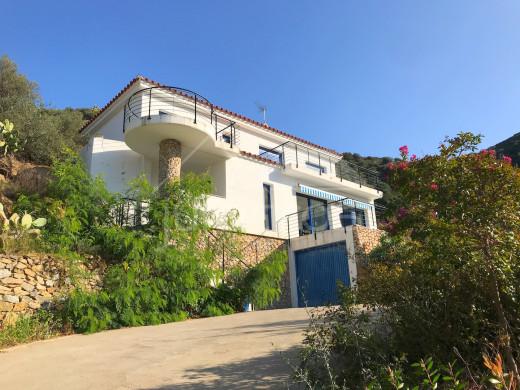 Superbe villa avec piscine, 4 chambres à Almadrava
