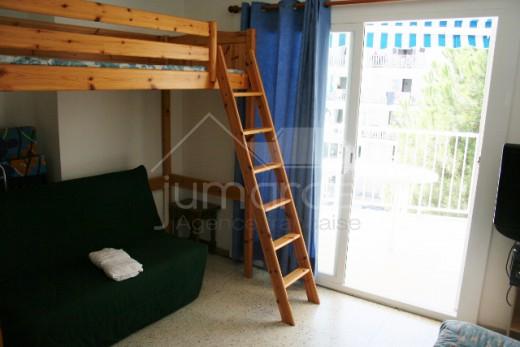 Appartement vue mer, tout équipé avec terrasse.