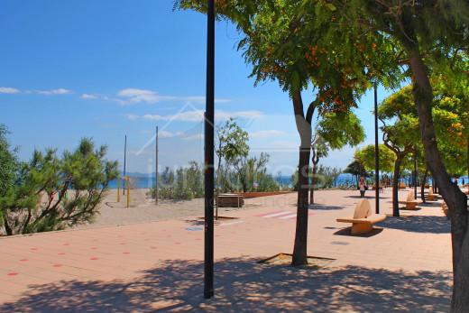 Appartement très proche de la plage avec terrasse