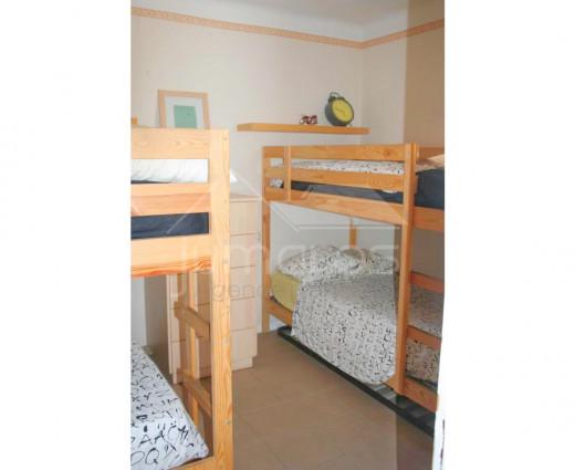 Atico 2 chambres à rénover à 100m de la plage de Roses