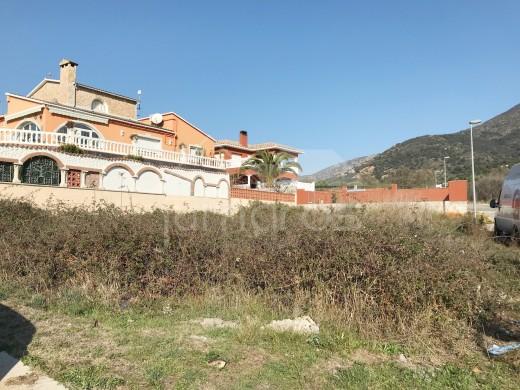 Terrain de 400m2 en angle  très bien situé à Mas Buscà, Roses
