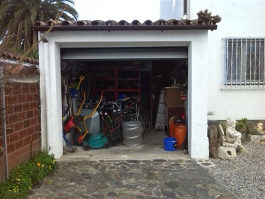garage avec parking devant