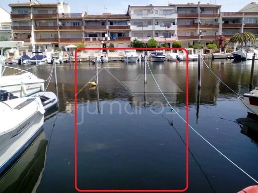 Amarre privée pour bateau moteur 15m x 2,88m à Empuriabrava