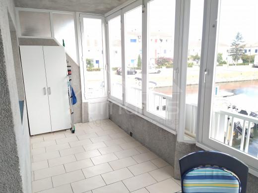 Appartement avec terrasse vue canal + parking en sous sol
