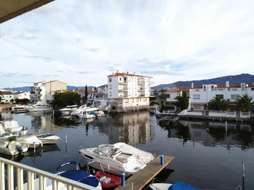 Appartement avec vue canal et parking privé