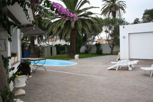 Maison avec piscine et grand jardin à Empuriabrava