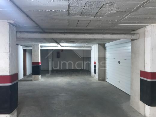 2 parkings à transformer en box fermé à Empuriabrava