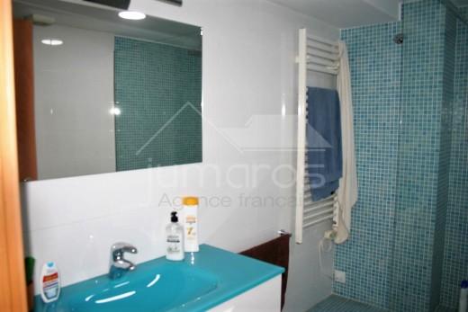 3 chambres, terrasse 11 m2 et piscine