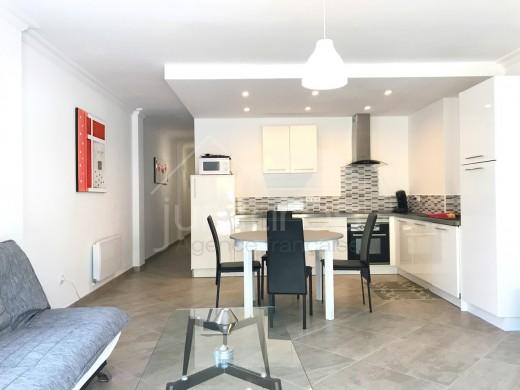 Appartement entièrement rénové à 800m de la plage de Canyelles avec parking privé