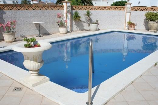 Belle maison avec piscine à Empuriabrava