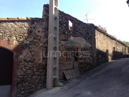 Grand Terrain avec bâtisse à reconstruire à Rabós de l'Empordà