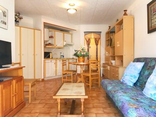 Appartement dans le centre de roses et proche de la Mer