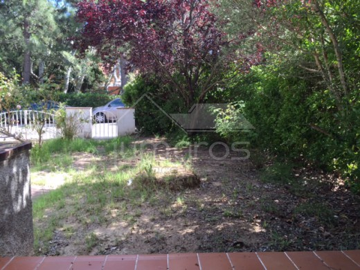 Maison mitoyenne avec jardin et garage