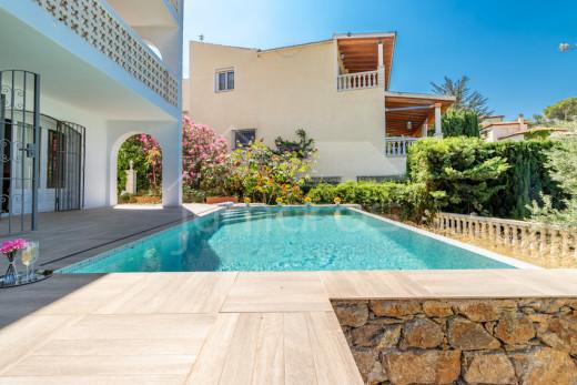 4 chambres, 225m2, garage et piscine