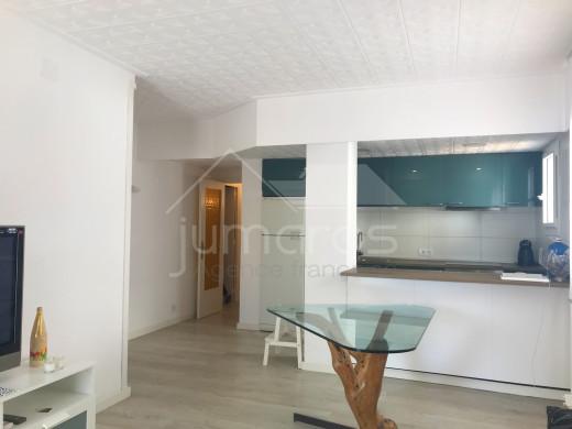 46m2, rénové, 1er étage, parking, centre d'Empuriabrava