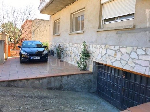 4 chambres, 125 m2, terrasse 35 m2, 2 parkings