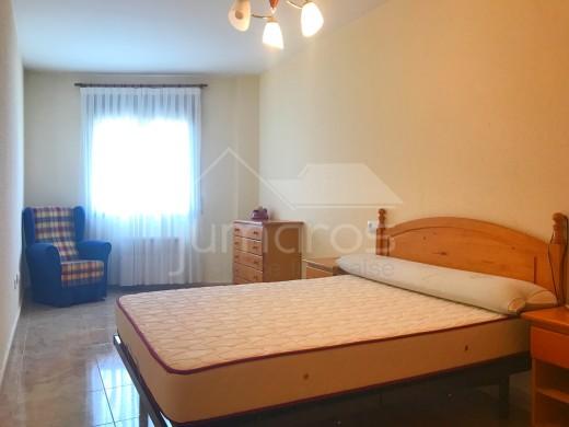 Appartement 2 chambres et parking, Roses centre