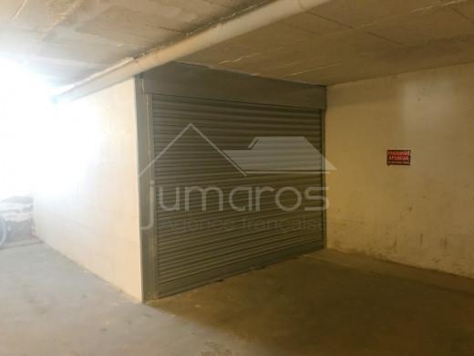 2 chambres, amarre privée et parking, terrasse 31m2