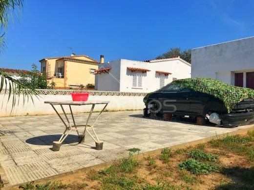 Maison avec grand terrain à Castelló d'Empuries