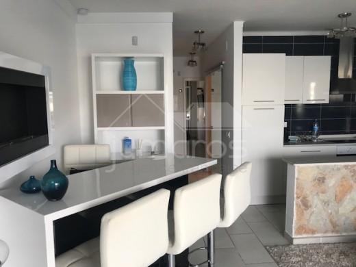 Superbe appartement rénové avec 9m d'amarre sur le lac San Maurici