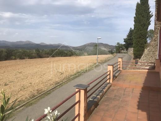 Maison de village avec belles vues sur les montagnes à Pedret i Marzà
