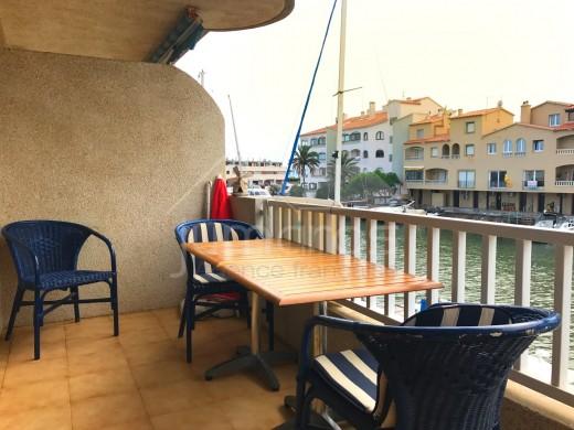 46m2, terrasse 13m2, vue canal, proche centre