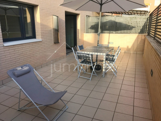 2 chambres, terrasse 35m2, piscine