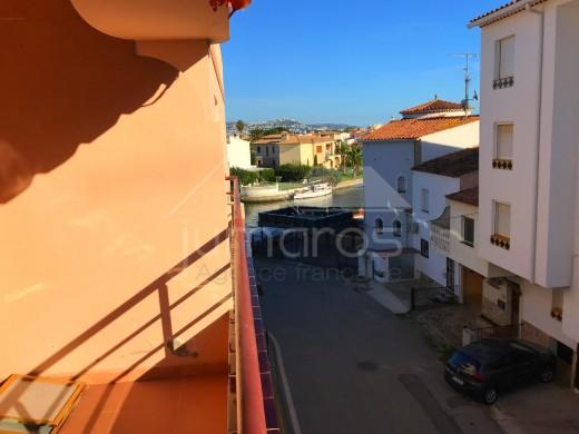 Joli appartement entièrement refait sur Empuriabrava